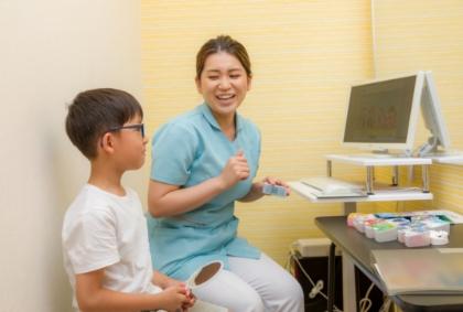 大人だけでなく小児の患者さんも多く明るい職場